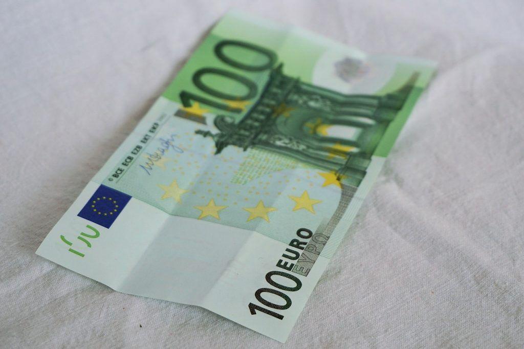 Acertijo de los 100 euros